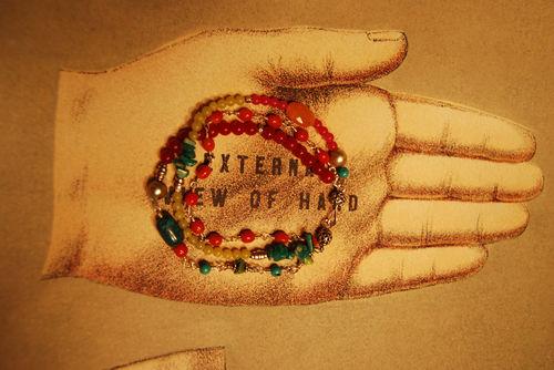 Hand-wbracelet