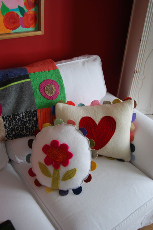 Flower-and-heart-pillow-09-#2