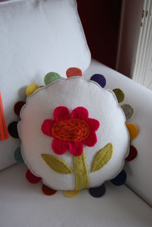Flower-pillow-09