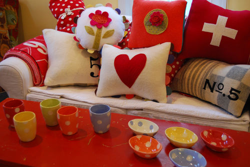 Pillows-and-dotty-cups