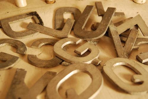 Zinc-letters