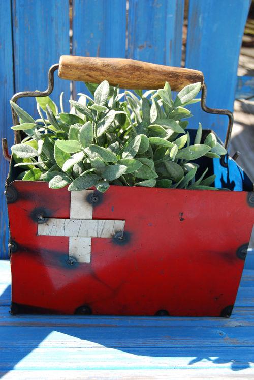Swiss-bucket-outside