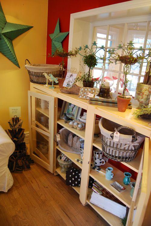 Detail-spring-cabinet-front-room