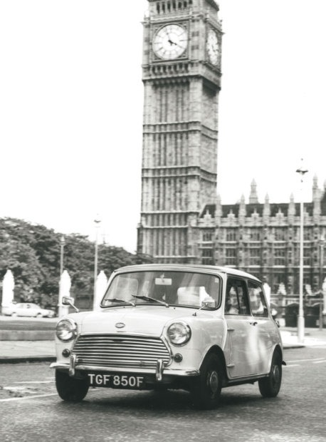1968-mini-cooper-s-mk-ii-in-london