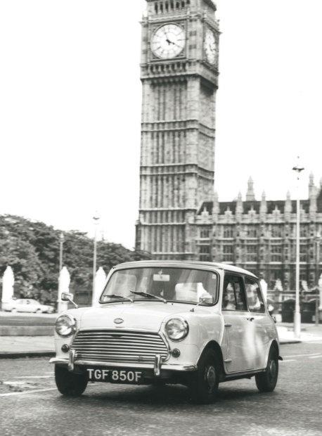 1968-mini-cooper-s-mk-ii-in-london