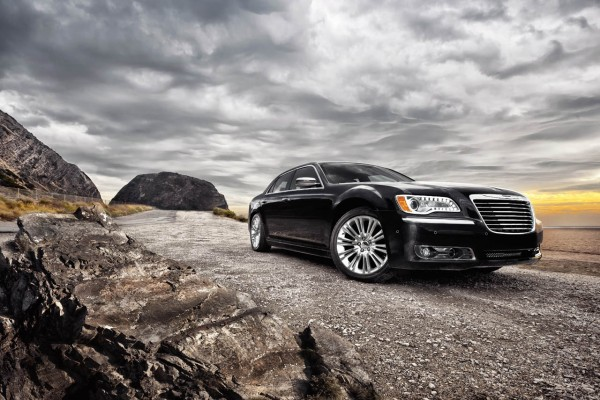 16-2011-chrysler-300-600x400