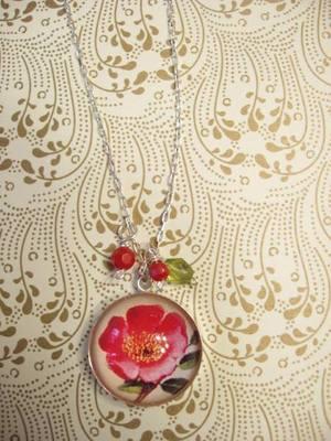 Pink_dogwood_necklace