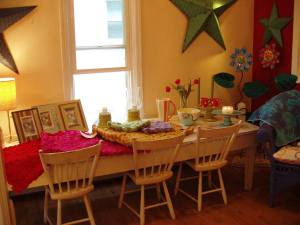 New_vintage_kids_table_at_the_shop