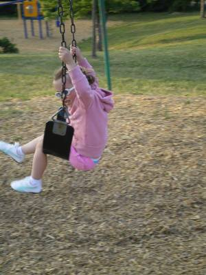 Fiona_swingin_1