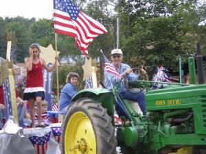 Parade_tractor