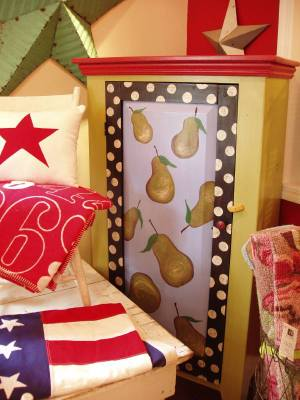 Pear_cabinet_at_the_shop