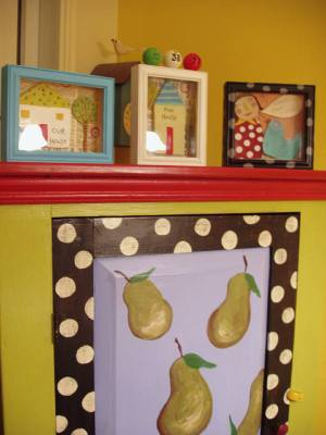 Pear_cabinet_with_3_shadow_boxes