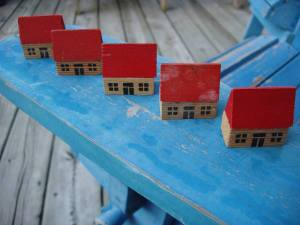 Tiny_red_roofed_houses