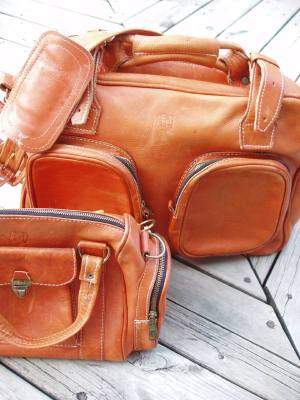 Weathered_luggage
