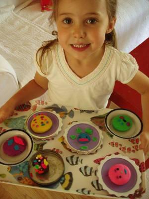 Fionas_playdoh_cakes