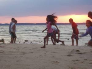 Kids_running_on_beach