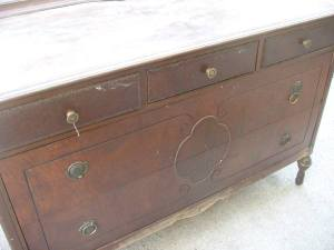 Detail_front_of_new_dresser_before