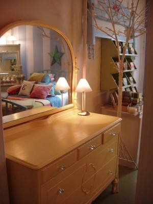 Yellow_dresser_love