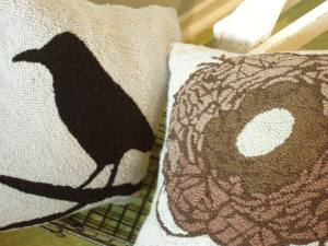 Bird_and_nest_pillow_2