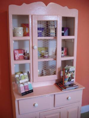 Pink_cabinet