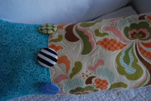 Detail_spring_pillow1