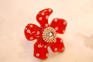 Red_flower_ring